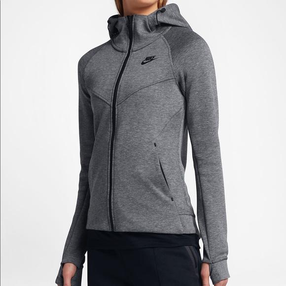b75502f86c43 Nike Tech Fleece Windrunner. M 5a9d8efb9a94558c2f6477ed